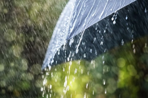 sone con lluvia significado