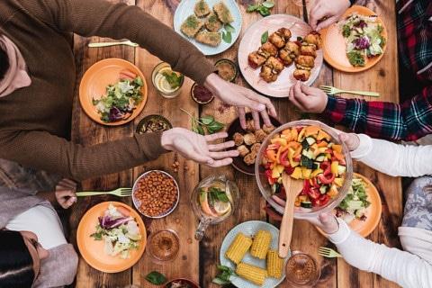 sone con comida significado
