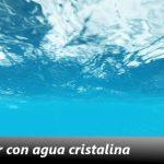 ¿Qué significa soñar con agua cristalina?